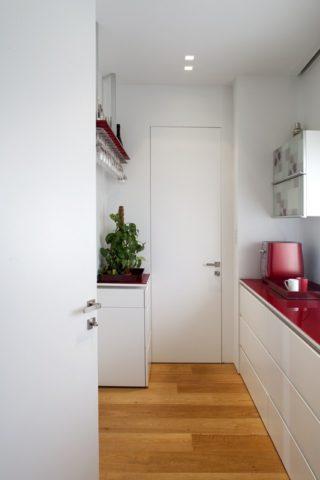 דלתות קו 0 לבן LUCONI